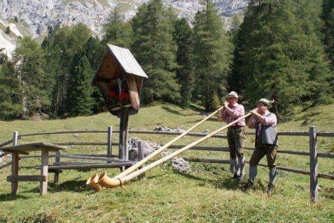Traditionen, Geschichte und historische Orte rund um Eggen